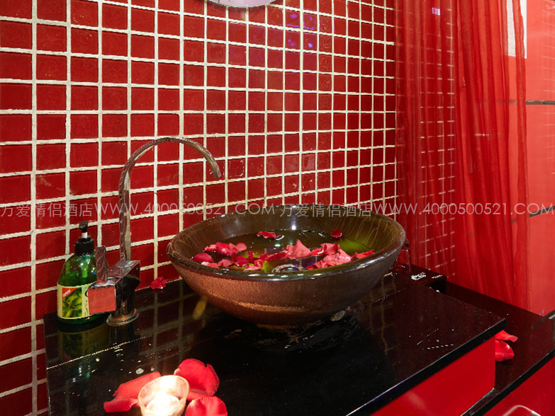 紫竹桥店-红与黑 103-7
